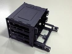 Thermaltake Core X9 onderste laden uitgeschoven