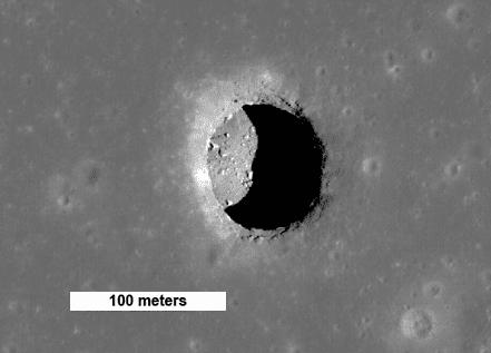 Gat in het maanoppervlak