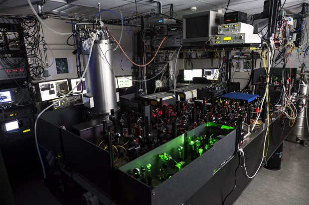 TU Delft entanglement setup used to teleport the state of a spin between two distant diamond