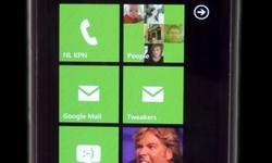 Windows Phone 7, reddingsboei van Microsoft
