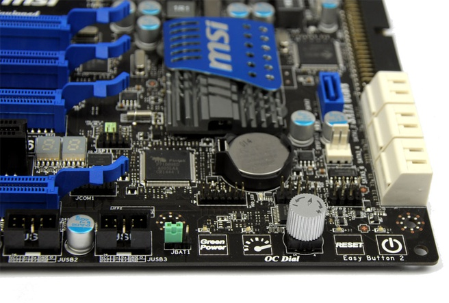 MSI 890FXA-GD70: knoppen