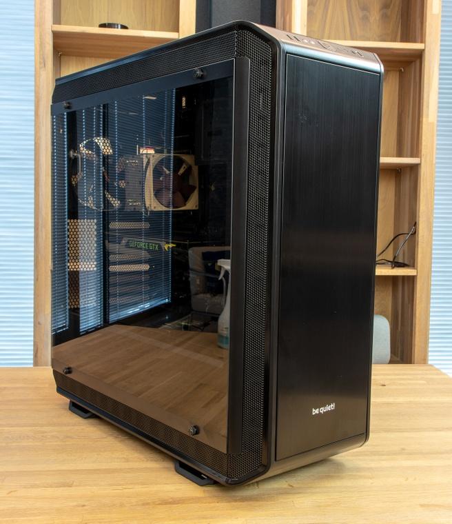 Dark Base Pro 900 oud en nieuw
