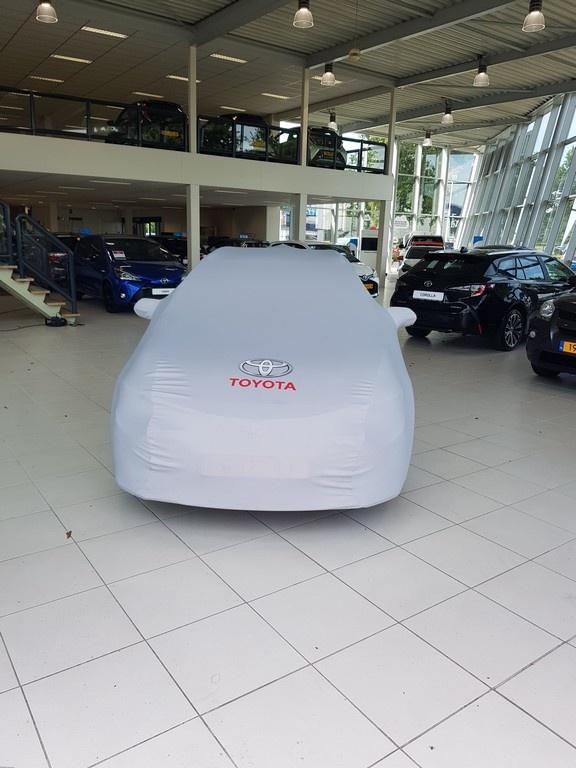 Corolla onder doek voorkant