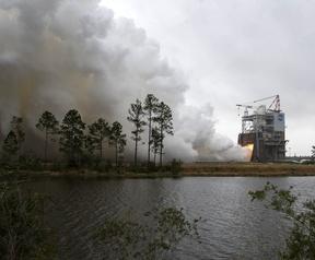NASA test RS-25-raketmotor
