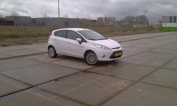Fiesta op parkeerplaats