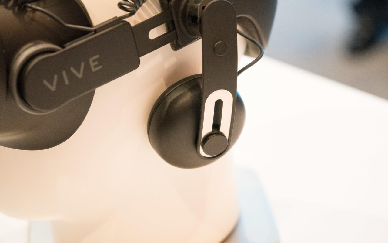 Vive Deluxe Audio Strap