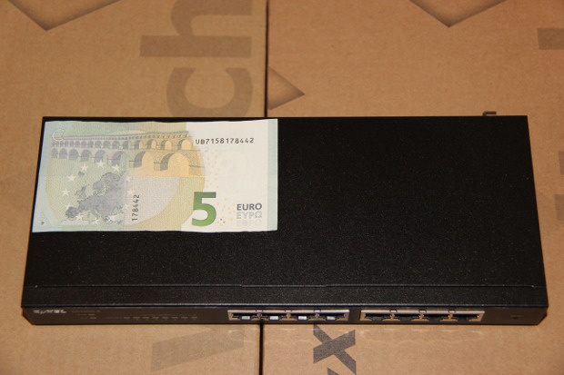 Unboxing GS1900 (3)