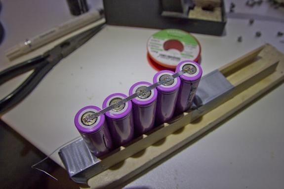 Het begin van de idiote batterij