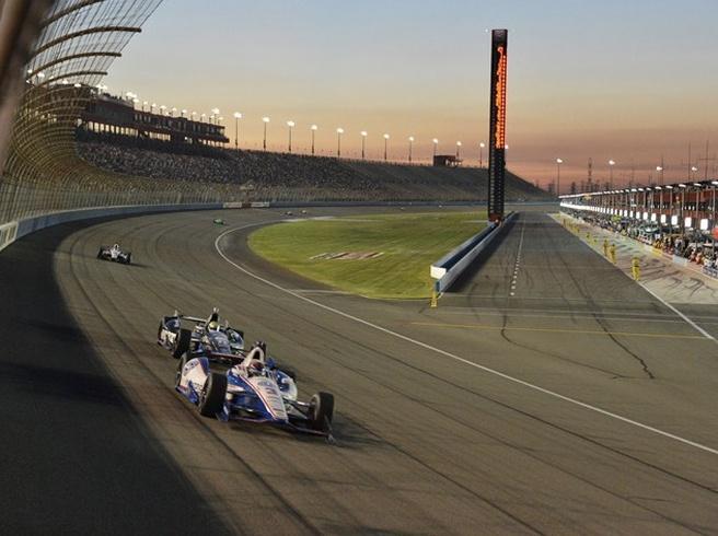 Cosworth-systeem voor verzamelen telemetrische data bij IndyCar-races