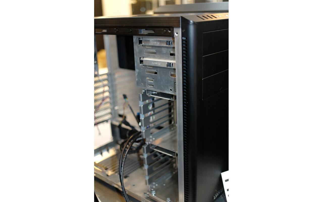 Lian Li PC-Z60 drives