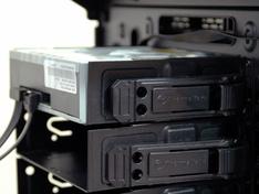 Thermaltake Core X9 optische drive geplaatst achterzijde