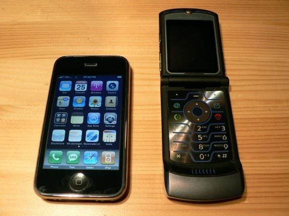 Iphone vs V3i Open