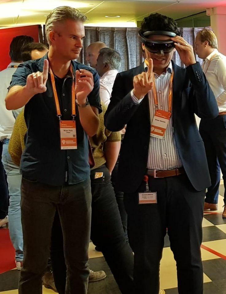 HoloLens-demo