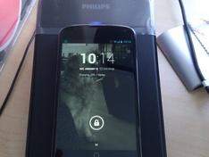Nexus 4 op Qi charger
