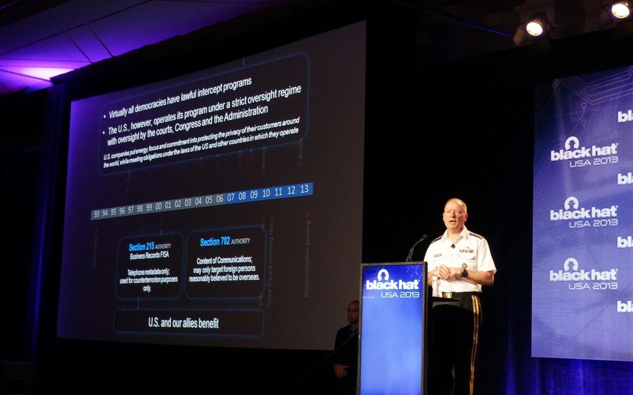 NSA-directeur Keith Alexander spreekt op Black Hat