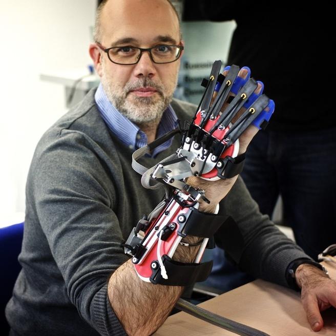 Robothand voor mensen met een beroerte