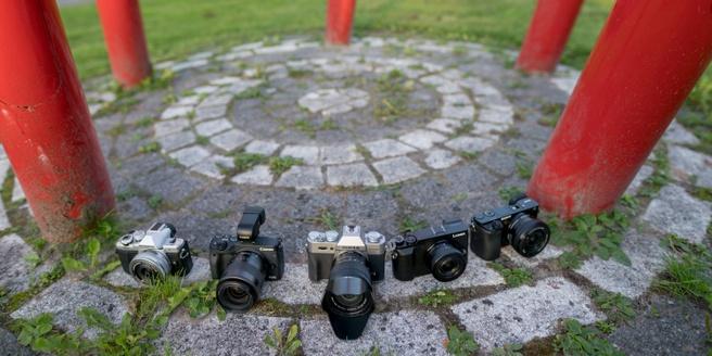 Vijf systeemcamera's