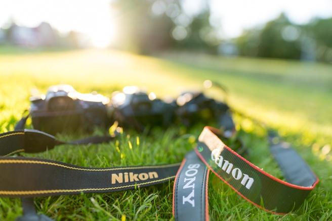 DSLR's Canon Nikon Sony