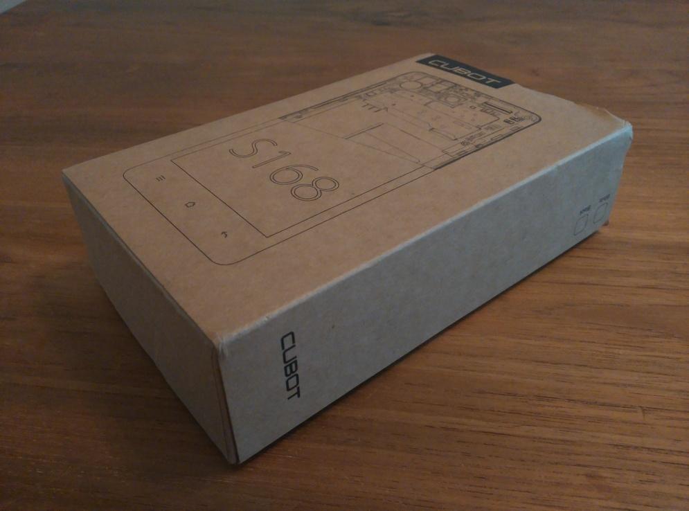De doos zoals deze uit de verpakking kwam