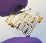 Nanodraad-geheugen op plastic substraat