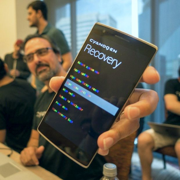 Steve Kondik Rainbow Mode CyanogenMod OnePlus One