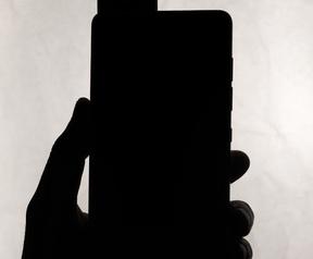 Teaser Essential-smartphone
