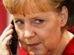 Angela Merkel aan de telefoon