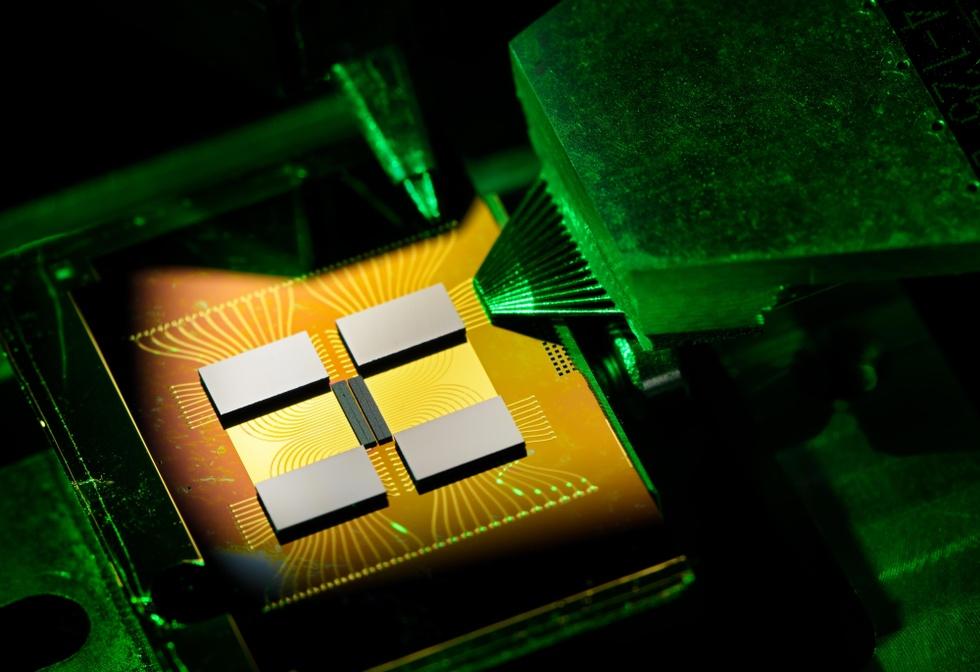 Vertical-Cavity Surface-Emitting Laser