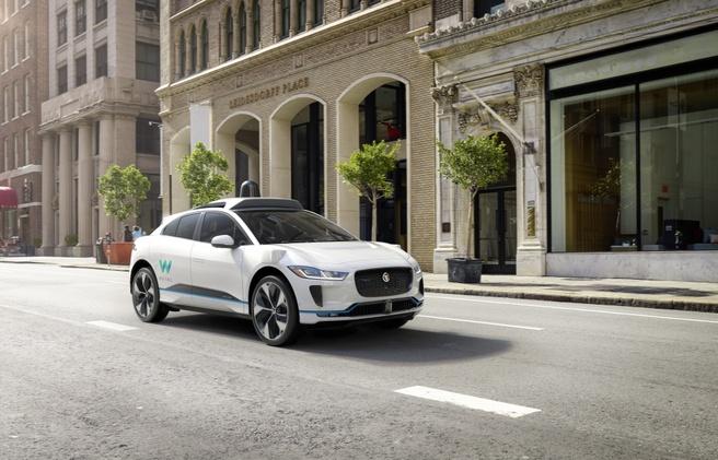 Naarmate er meer autonome voertuigen komen wordt v2x steeds belangrijker