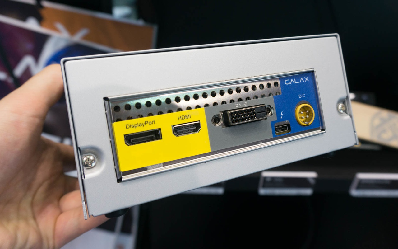 KFA2 toont kleine externe GTX 1060-videokaart