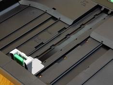 Geleiding papierlengte bovenste lade A3 stand