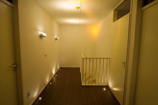 Woonkamer hoeveel lampen woonkamer : Led orientatieverlichting. : Bouwinfo