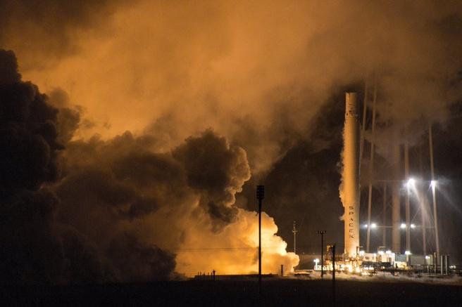 SpaceX Falcon 9 static fire