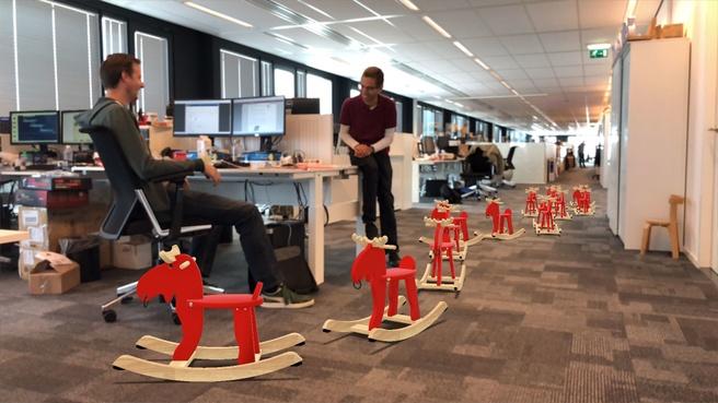 Invasie van Ikea-hobbelpaarden op Tweakers HQ