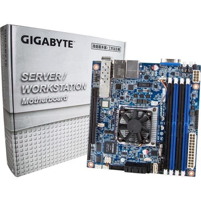 Gigabyte Xeon D-moederbord