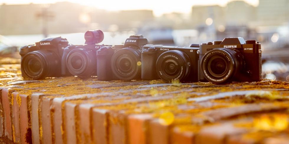Vijf camera in tegenlicht
