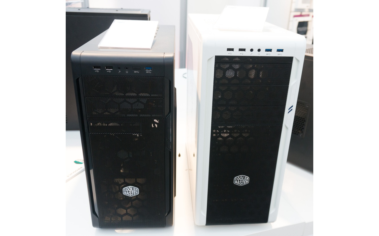 Cooler Master N300 (links) en N500 (rechts)