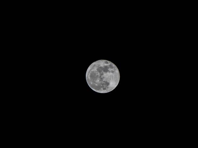 Maan gefotografeerd met de TZ70