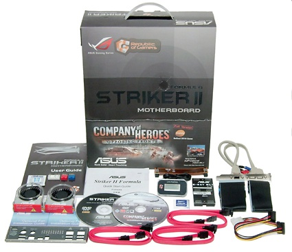 De inhoud van de Asus Striker II Formula doos