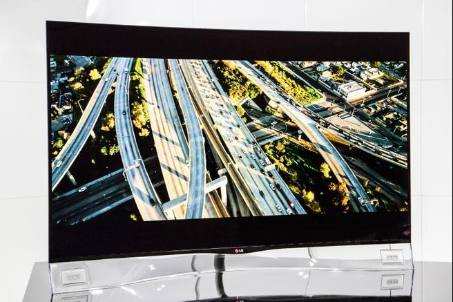 Wel Of Geen 3d Tv.Lg Stopt Met Gebogen Televisies En 3d Ondersteuning Beeld