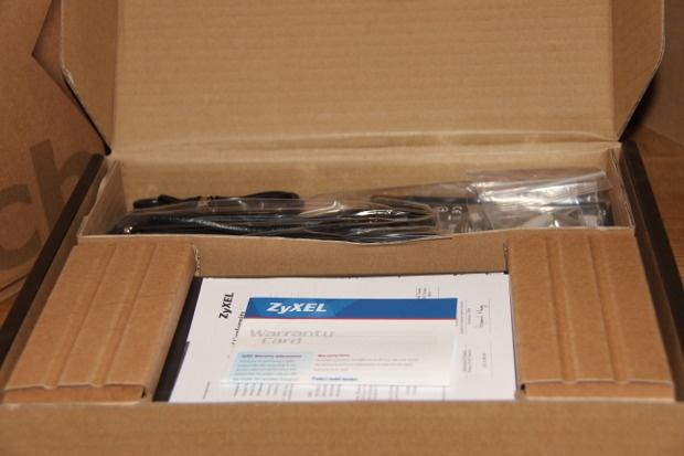Unboxing GS1900 (2)