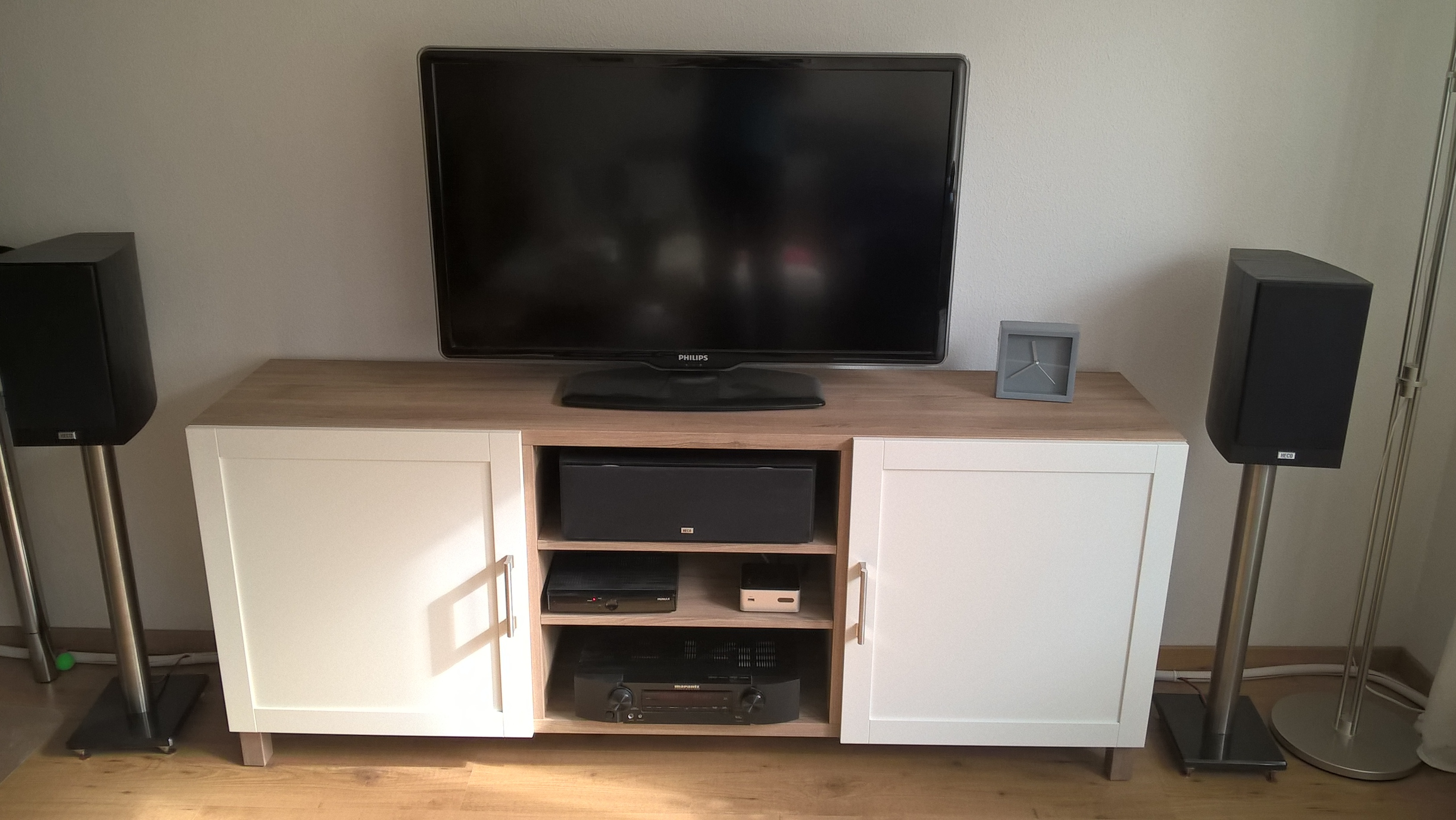 Post hier foto's en specs van je home cinema! deel 49   audio en ...