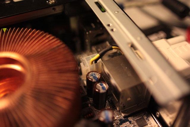 omgeleide ATX12V kabel (klein)