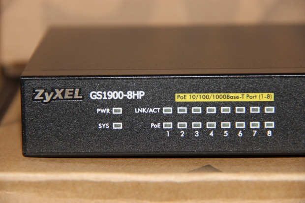 Unboxing GS1900-8HP (4)