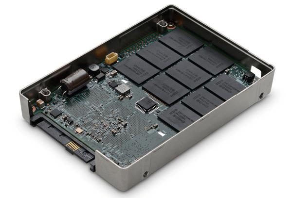 Hitachi Ultrastar sas-1200-drive