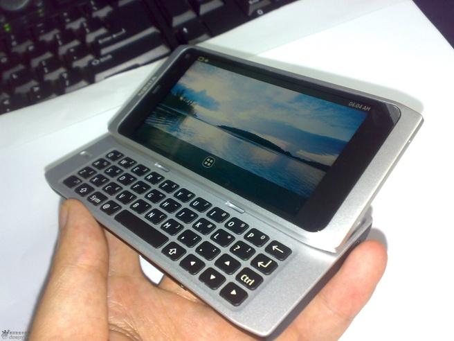 Nokia N9-00 (N950)