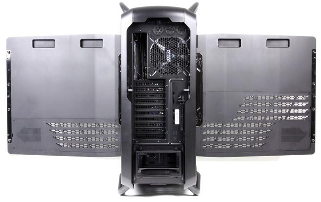 Cooler Master Cosmos II panelen geopend