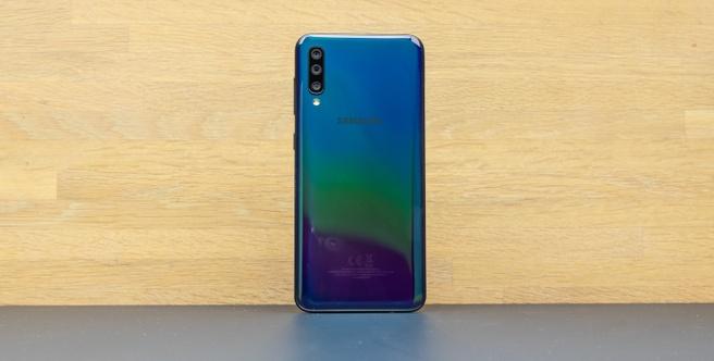 Samsung Galaxy A50 in midrange-roundup mid-2019