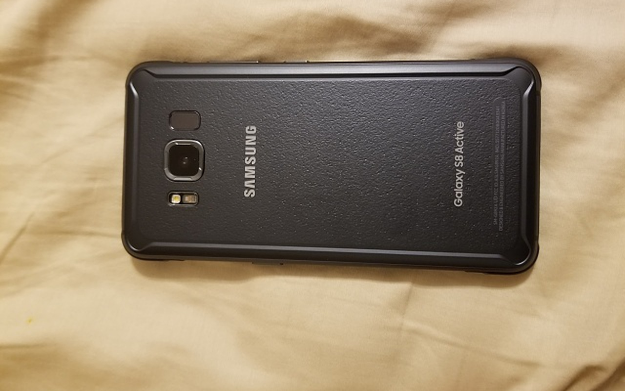 Samsung Galaxy S8 Active in lek