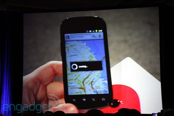 Google Nexus S in handen van Eric Schmidt